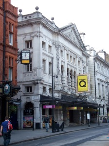 Noël_Coward_Theatre_2